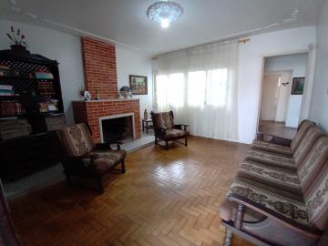 Alugar Casa / Padrão em Pelotas. apenas R$ 430.000,00
