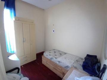 Alugar Casa / Padrão em Pelotas. apenas R$ 750.000,00