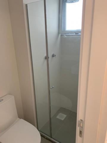 Alugar Apartamento / Padrão em Pelotas. apenas R$ 370.000,00