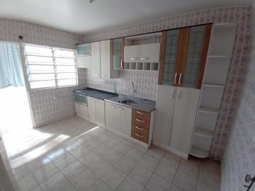 CONDOMÍNIO EVARISTO DA VEIGA (PRÓXIMO AO CEMITÉRIO) Apartamento com 2 dormitórios, banheiro social, box de vidro, armários, sala de estar, portão elétrico, área serviço, interfone, pátio com muro.
