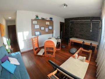 Alugar Apartamento / Padrão em Pelotas. apenas R$ 350.000,00