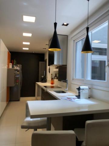 Comprar Apartamento / Padrão em Pelotas R$ 650.000,00 - Foto 3