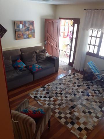 Alugar Casa / Padrão em Pelotas. apenas R$ 467.000,00