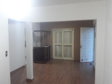 Alugar Casa / Padrão em Pelotas. apenas R$ 325.000,00