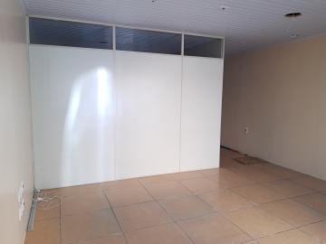 Sala comercial no centro.