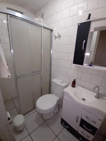 Alugar Apartamento / Padrão em Pelotas. apenas R$ 234.000,00