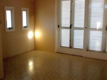 Alugar Casa / Padrão em Pelotas. apenas R$ 1.180.000,00