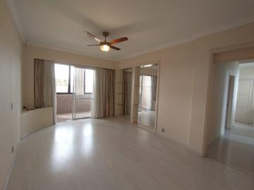 Alugar Apartamento / Padrão em Pelotas. apenas R$ 1.800,00
