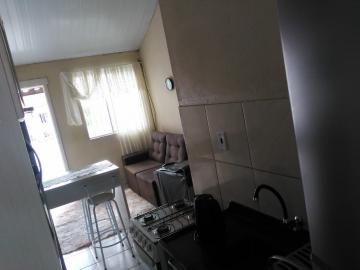 Casa no Lot Eldorado - 02 dormitórios, sala de estar. cozinha, banheiro social e vaga de garagem. Imóvel todo murado e com grades. Agende sua visita!