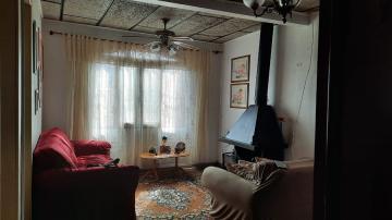 Casa de 2 dormitórios, sendo 1 suíte, sala, cozinha, 2 banheiros social, área coberta com churrasqueira, pátio, terraço, garagem com 1 vaga e espaço para mais 1 na frente. Agende sua visita!