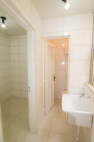 Alugar Apartamento / Padrão em Pelotas R$ 900,00 - Foto 10