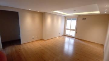 Excelente apartamento todo reformado, com 03 dormitórios sendo 1 suíte, cozinha, área de serviço, banheiro e vaga de garagem. Ficam os planejados. Agende sua visita!