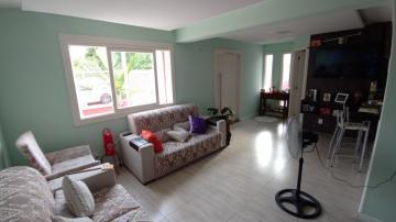 Excelente casa próximo a UPA do Areal, com 04 dormitórios sendo 1 suíte, closet, 02 banheiros social, sala de estar e jantar, cozinha americana, espaço gourmet com churrasqueira, lavanderia, pátio, portão eletrônico, garagem para 2 carros. Agende sua visita!