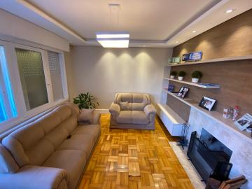 Alugar Casa / Padrão em Pelotas. apenas R$ 850.000,00