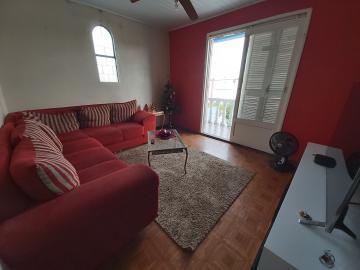 Alugar Casa / Padrão em Pelotas. apenas R$ 410.000,00