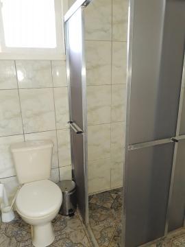 Alugar Casa / Padrão em Pelotas R$ 1.250,00 - Foto 16