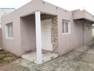 Alugar Casa / Padrão em Pelotas R$ 1.250,00 - Foto 3