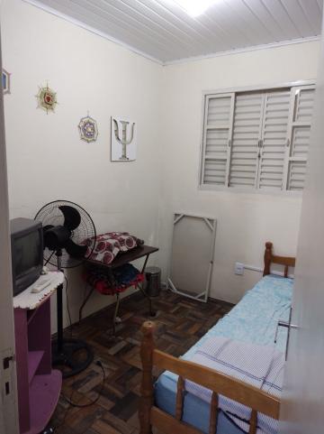 Alugar Casa / Padrão em Pelotas. apenas R$ 280.000,00