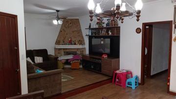 Alugar Casa / Padrão em Pelotas. apenas R$ 450.000,00
