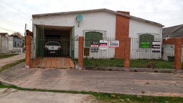 Comprar Casa / Padrão em Pelotas R$ 300.000,00 - Foto 11