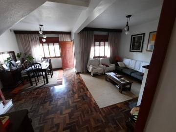Alugar Casa / Padrão em Pelotas. apenas R$ 650.000,00