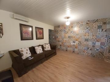 Comprar Casa / Padrão em Pelotas R$ 630.000,00 - Foto 1