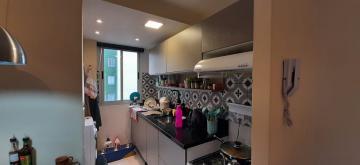 Alugar Apartamento / Padrão em Pelotas. apenas R$ 212.000,00