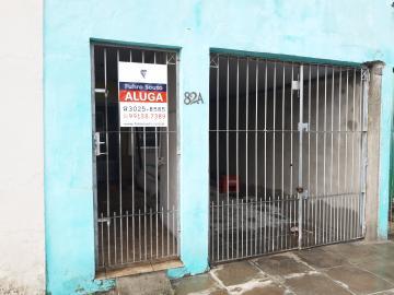 Alugar Casa / Padrão em Pelotas R$ 550,00 - Foto 1