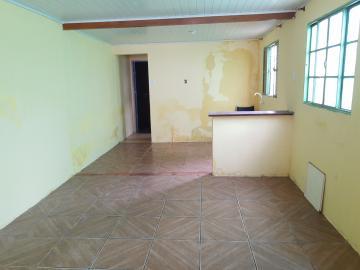 Alugar Casa / Padrão em Pelotas R$ 550,00 - Foto 4