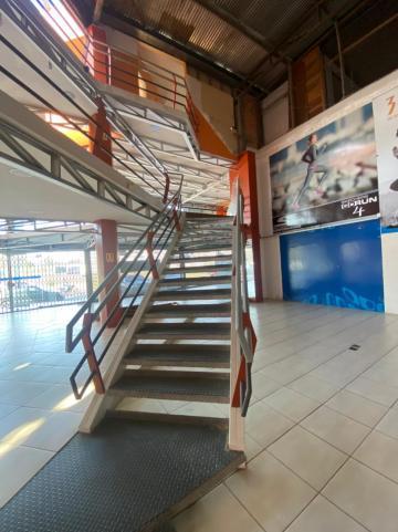 Alugar Comercial / Prédio em Pelotas R$ 16.500,00 - Foto 17