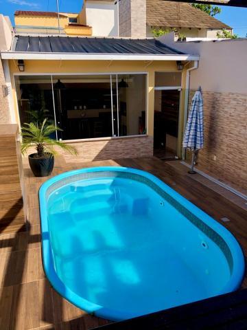 Alugar Casa / Padrão em Pelotas. apenas R$ 610.000,00