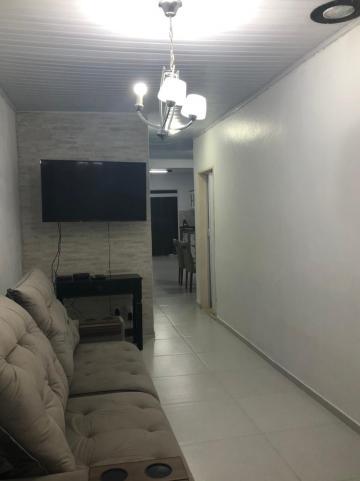 Alugar Casa / Padrão em Pelotas. apenas R$ 270.000,00