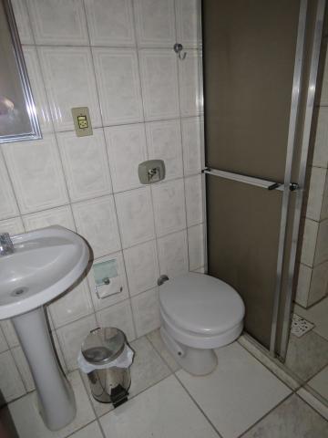 Alugar Apartamento / Fora de Condomínio em Pelotas R$ 800,00 - Foto 10