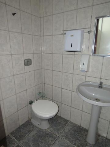 Alugar Comercial / Sala Fora de Condomínio em Pelotas R$ 700,00 - Foto 8