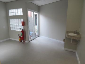 Alugar Comercial / Sala Fora de Condomínio em Pelotas R$ 1.100,00 - Foto 1