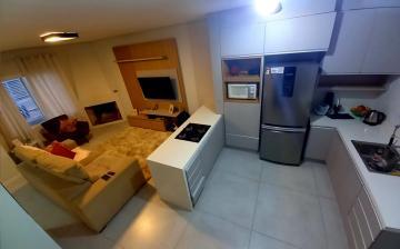 Alugar Casa / Padrão em Pelotas. apenas R$ 379.000,00