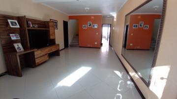 Alugar Casa / Padrão em Pelotas. apenas R$ 339.200,00
